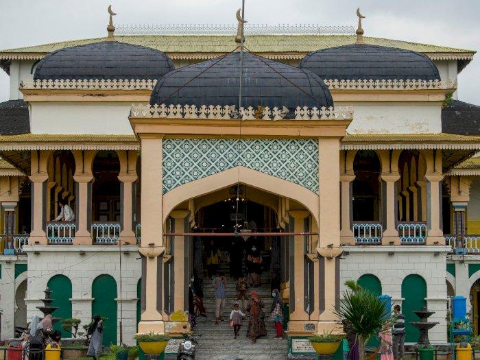 FOTO: Suasana Kunjungan Wisatawan ke Istana Maimun Medan di Tengah Pandemi Corona
