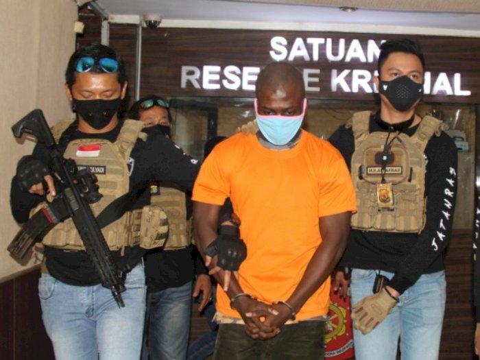 Gegara Taruhan Main PS Rp1 Juta, WN Ghana Tewas Ditusuk Rekannya Sendiri