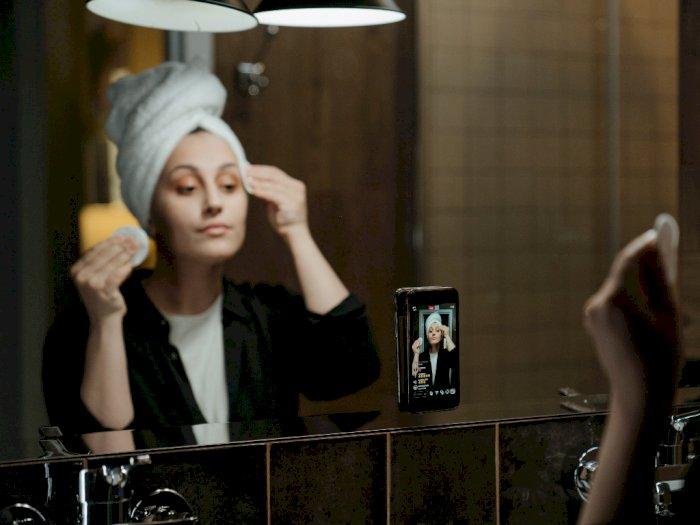 Setelah Pakai Makeup Tebal, Berikut Ini Langkah Membersihkannya