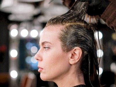 3 Kesalahan yang Harus Kamu Hindari saat Melakukan Perawatan Minyak Rambut