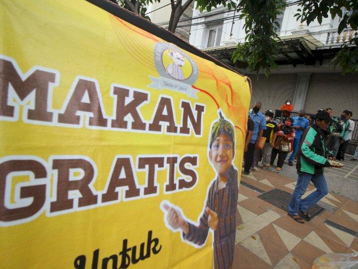 FOTO: Makan Gratis Untuk Semua Orang di Surabaya