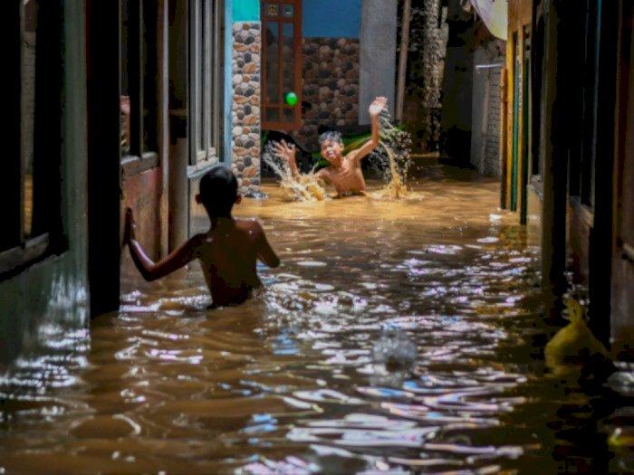 Hujan Guyur Jakarta Sore Ini, 4 RT dan 7 Ruas Jalan Tergenang Banjir