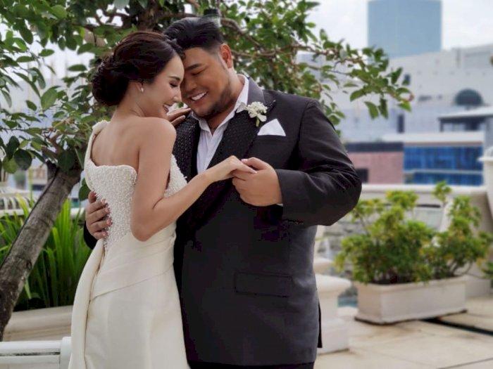 Siap Lepas Status Lajang, Ivan Gunawan Lakukan Sesi Foto Prewedding Bareng Bella Aprilia