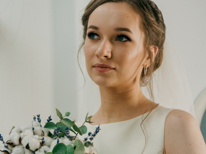 Dapatkan Kulit Wajah Bercahaya di Hari Pernikahan Kamu dengan Mengikuti Tips Ini