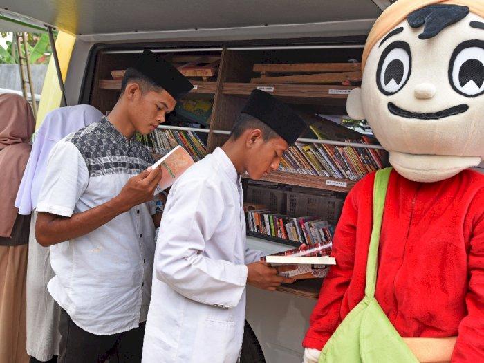 FOTO: Upaya Peningkatan Minat Baca Santri di Banten