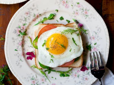 3 Bahan Masakan yang Harus Kamu Tambahkan dengan Telur untuk Menurunkan Berat Badan