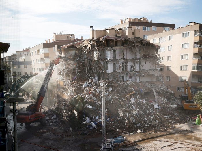 Setelah 3 Hari Gempa Turki, Bocah 3 Tahun Selamat dari Reruntuhan Apartemen