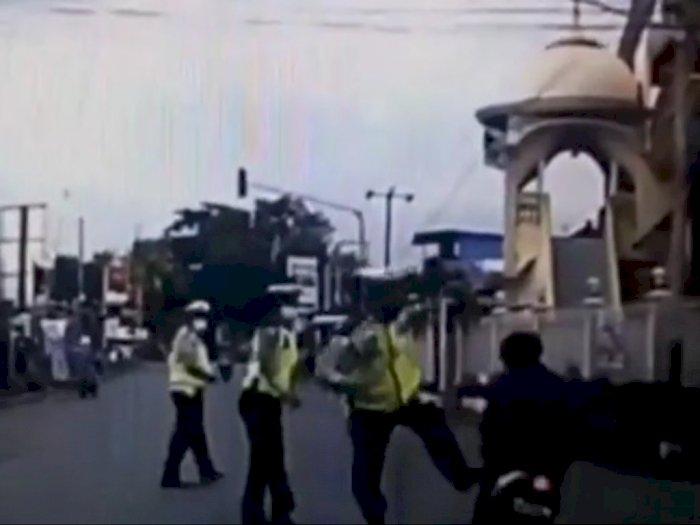 Detik-detik Polisi Gagalkan Aksi Curanmor Ditendang Sampai Jatuh, Begini Nasib Pencurinya