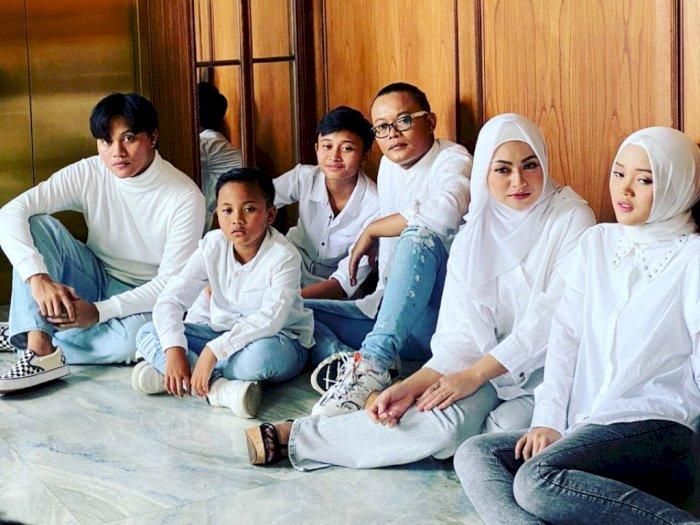 Unggah Foto Keluarga Bareng Nathalie Holscher dan Anak-anak, Sule Banjir Doa dari Netizen