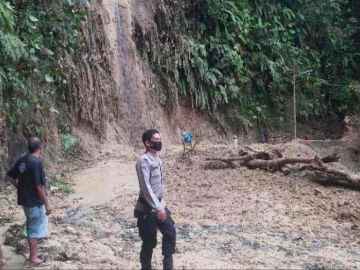 Hujan Deras, Jalan Sibolga-Tarutung Terputus karena Longsor