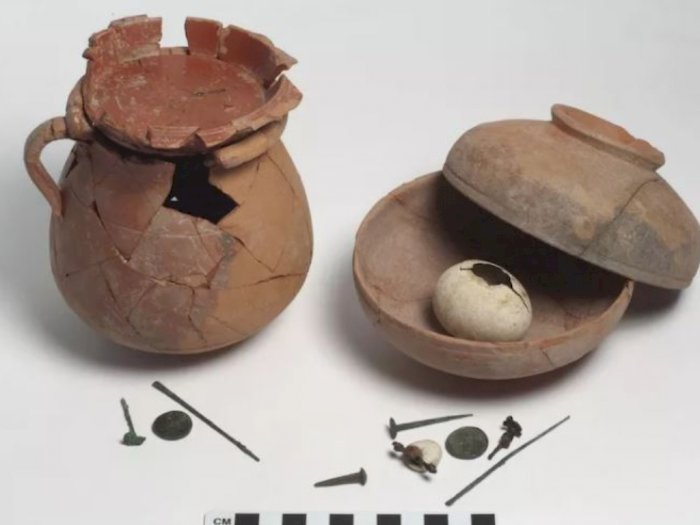 Metode Pengusiran Setan Kuno, Kubur Telur di Bawah Lantai Rumah