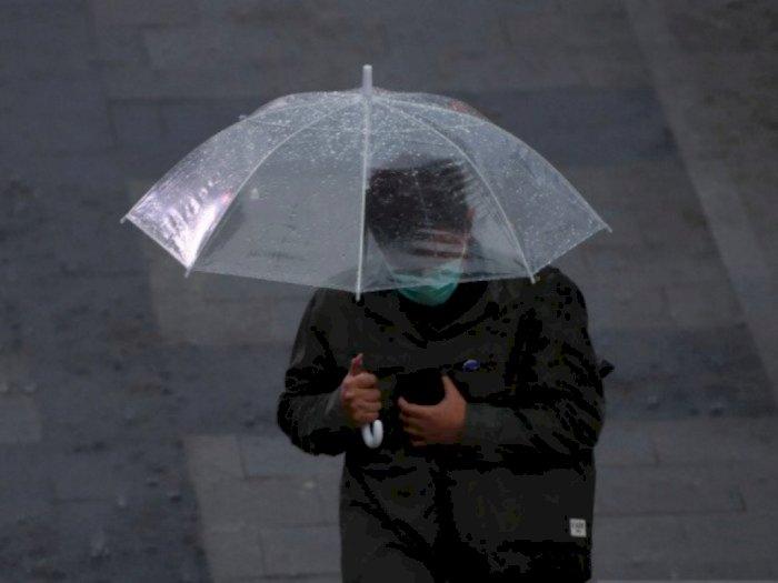 Hujan Guyur Jakarta Pagi Ini, Pintu Air Pasar Ikan Siaga 2