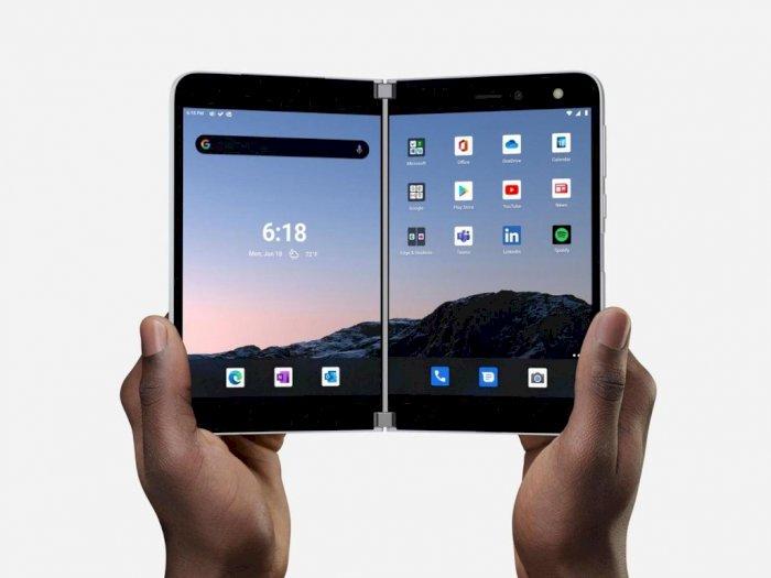 Pemilik Microsoft Surface Duo Ini Ganti Panel Kaca Smartphonenya dengan Metal