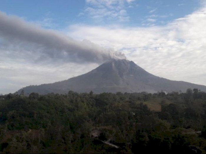 Gunung Sinabung di Karo Kembali Erupsi, Awan Panas Meluncur Sejauh 1.500 Meter