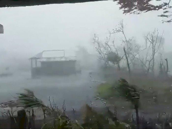 FOTO: Topan Vamco Menghantam Filipina, Melumpuhkan Sebagian Manila