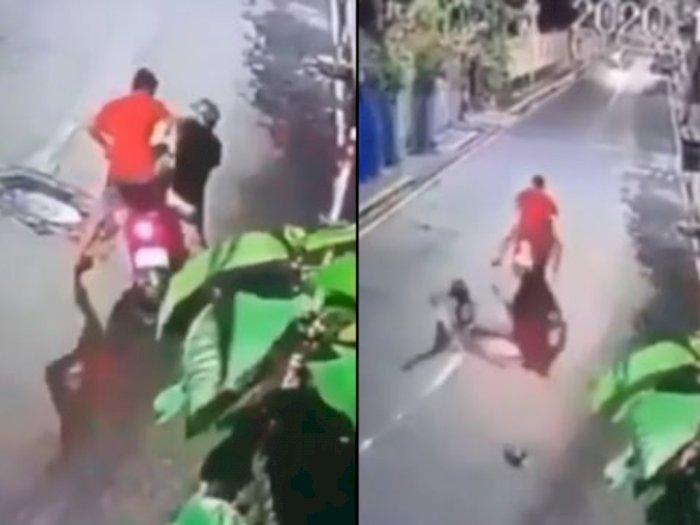 Viral Video Dua Maling Saling Berebut Hasil Curian, Baku Hantam Tak Terelakkan