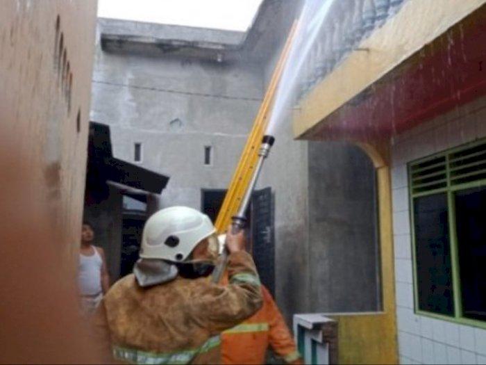 Sedang Masak Air di Lantai Bawah, Warga Bajenis Ini tak Tahu Rumahnya Terbakar