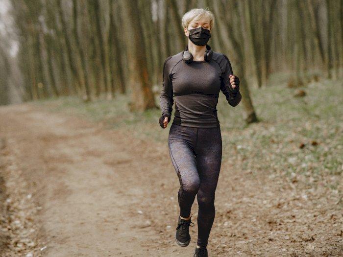 Berolahraga di Luar Ruangan dengan Masker, Berikut 4 Hal yang Harus Kamu Perhatikan