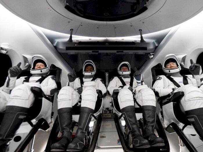 Sempat Tertunda, SpaceX Terbangkan Seluruh Kru NASA ke Stasiun Luar Angkasa Internasional