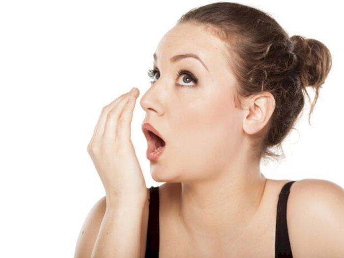 Bau Mulut Bikin Tidak Percaya Diri? Berikut 4 Cara Mengatasinya