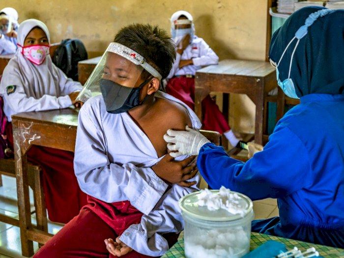 FOTO: Vaksinasi Difteri dan Tetanus Siswa SD di Demak