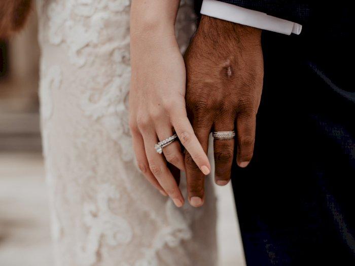 Kasihan! Gadis 15 Tahun Ini Dipaksa Nikah dengan Petani 48 Tahun