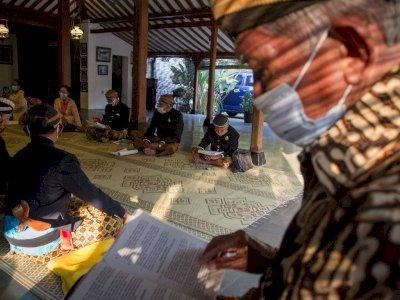 FOTO: Membaca Tembang Macapat Keraton Kasunanan