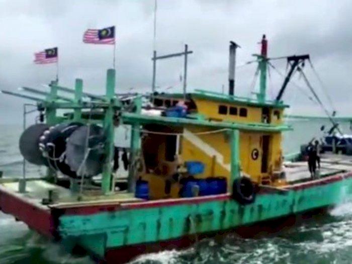 Lagi, Kapal Asing Berbendera Malaysia Tertangkap Tengah Curi Ikan di Selat Melaka