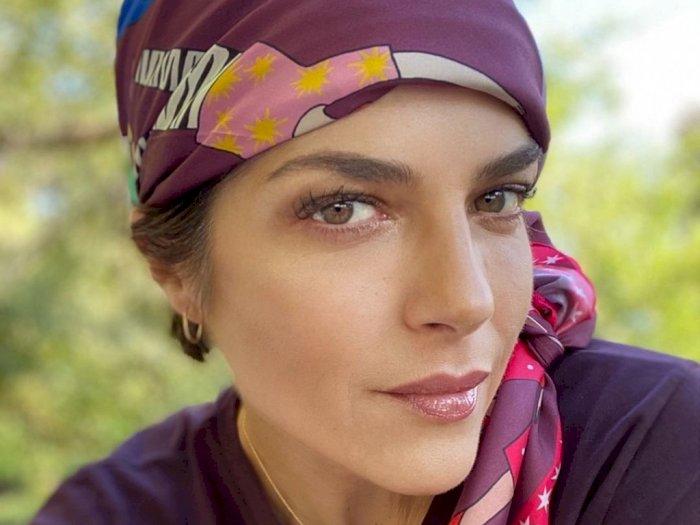 Kehilangan Rambut Selama Kemoterapi, Kini Rambut Selma Blair Tumbuh dengan Gaya Mangkuk