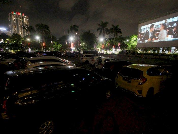 FOTO: Bioskop Drive-In di Surabaya