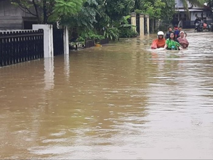 Curah Hujan Tinggi, Ribuan Rumah di Batang Serangan Terendam Air
