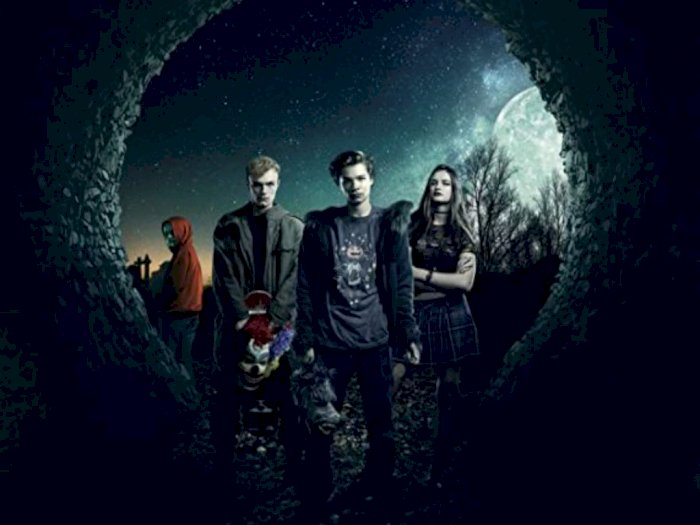 Sinopsis 'Boys in the Trees (2016)' - Perjalanan Mengerikan Nyata di Malam Halloween