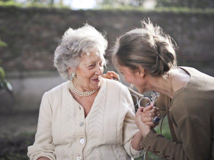 Manusia Menemukan Makna Hidup di Usia 60 Tahun Menurut Sains