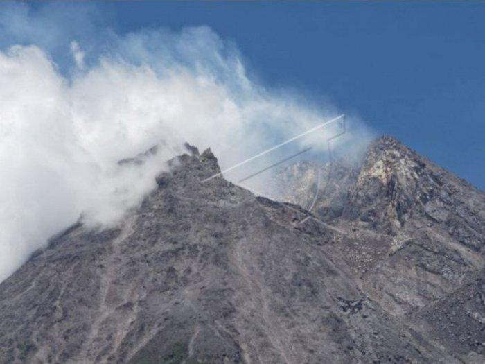 Gunung Merapi Alami Guguran Tebing Lava Tahun 1954