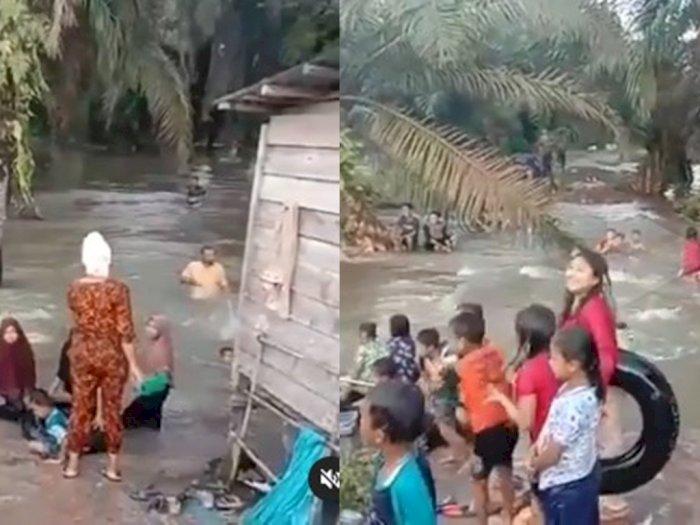 Video Anak-anak Labuhanbatu Asyik Mandi-mandi di Sungai yang Meluap, Netizen: Awas Buaya!