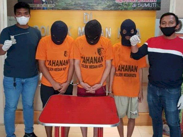 Lagi Asik Nyabu, Tiga Pemuda Kaget Didatangi Petugas Polsek Medan Kota