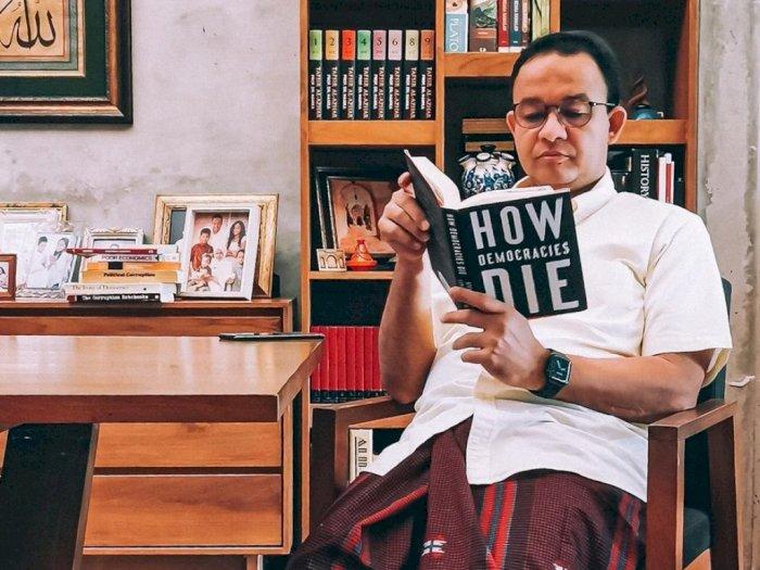 Anies Baca Buku 'How Democracies Die', PDIP DKI: Nyindir Dirinya Sendiri
