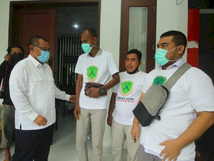 Pemuda Aceh Indonesia Medan Perkenalkan Produksi Beras kepada Akhyar Nasution