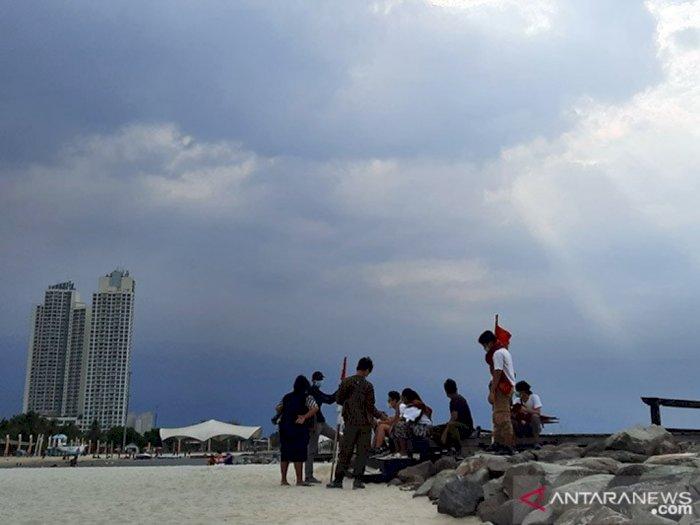 Kabar Cuaca: Hampir Seluruh Wilayah DKI Jakarta Cerah Berawan Hari Ini