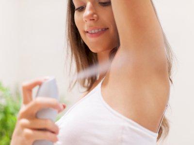 Jerawat Muncul di Ketiak, Benarkah Ini Disebabkan Oleh Penggunaan Deodoran?