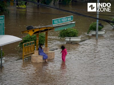 Jakarta Diguyur Hujan, 4 RT dan 3 Ruas Jalan Tergenang Banjir