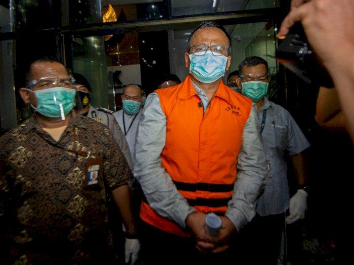 FOTO: Tersangka Korupsi Ekspor Benih Lobster
