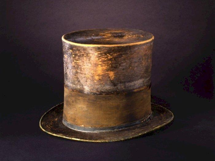 Topi Ikonik Abraham Lincoln yang Menemaninya Hingga Tewas Terbunuh