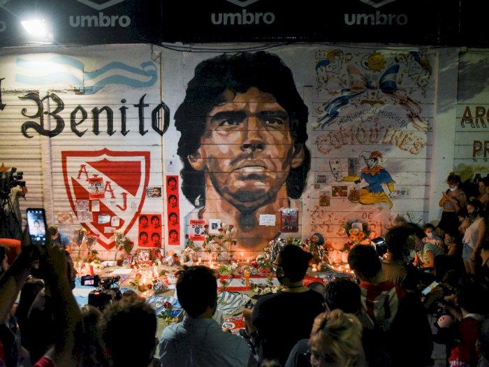 FOTO: Orang-Orang Berkumpul di Argentina Mengenang Diego Maradona