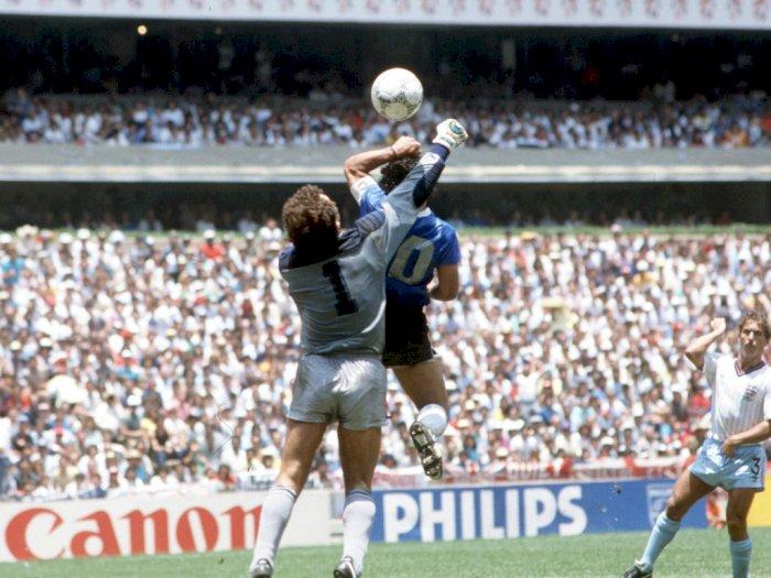 Jika Dulu Ada VAR, Gol Tangan Tuhan Maradona akan Berujung Malapetaka Kartu Merah