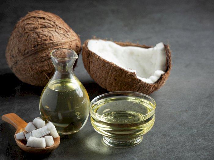 4 Cara Minyak Kelapa Dapat Bermanfaat untuk Kesehatan Rambut