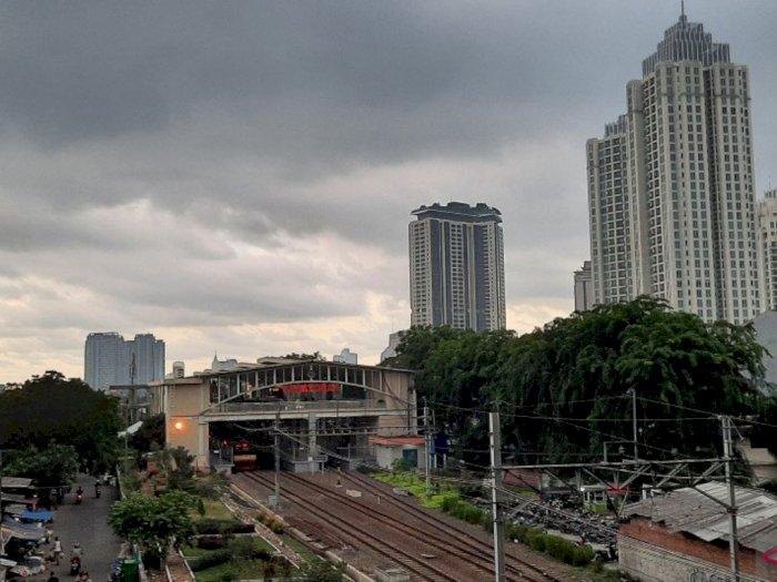 Hati-hati! Hari Ini Jakarta akan Diguyur Hujan Disertai Angin Kencang