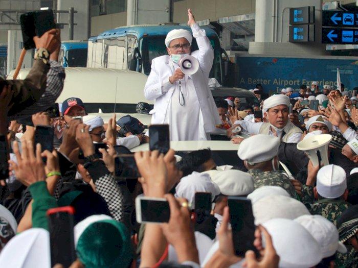 Muncul di Diskusi KAMI, Rizieq Shihab Sapa Hangat Gatot dan Din Syamsuddin