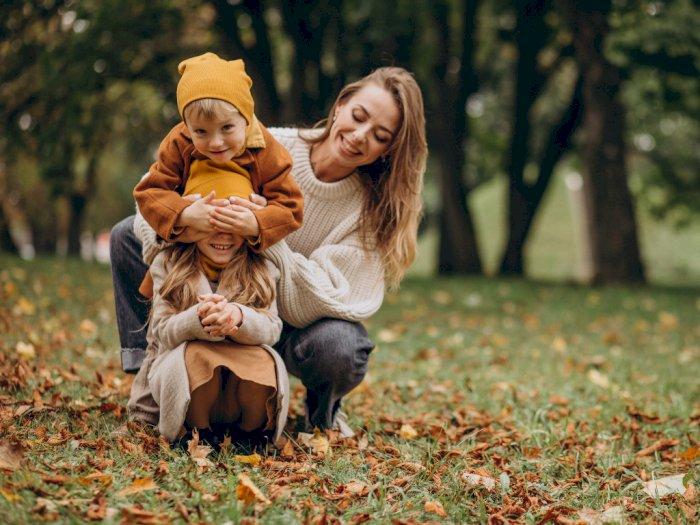 4 Zodiak Wanita Ini Tipe Orangtua yang Bisa Mengasuh Anak Meski Bekerja