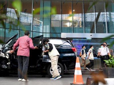 Penyidik KPK Temukan Uang Tunai Saat Geledah Kantor Edhy Prabowo